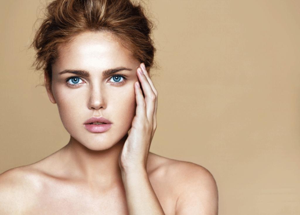 Les soins brosse visage pour une peau éclatante
